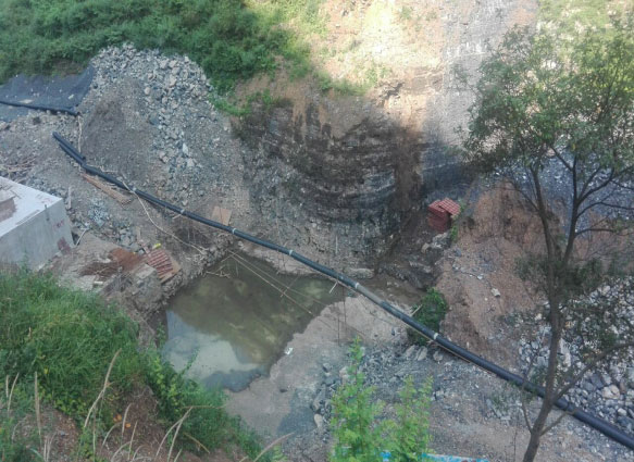 大方县猫场镇大龙井山塘大坝垫层混凝土